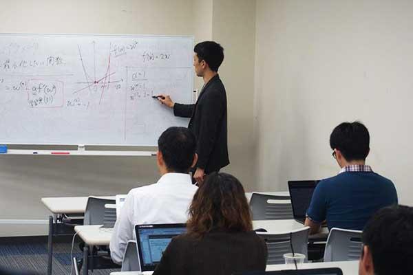 実務経験豊富な講師による事例を交えた講義